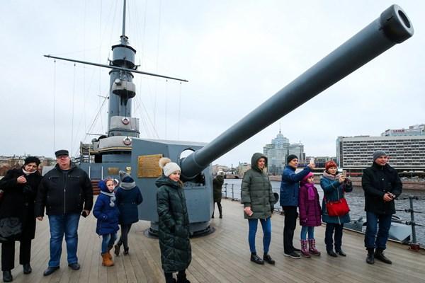 俄罗斯圣彼得堡:探访极光巡洋舰