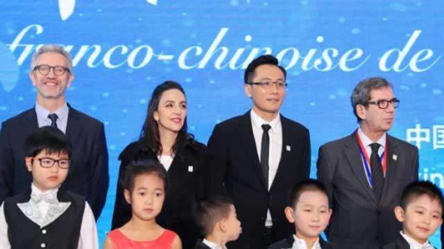 刘烨安娜呼吁持续关注环保