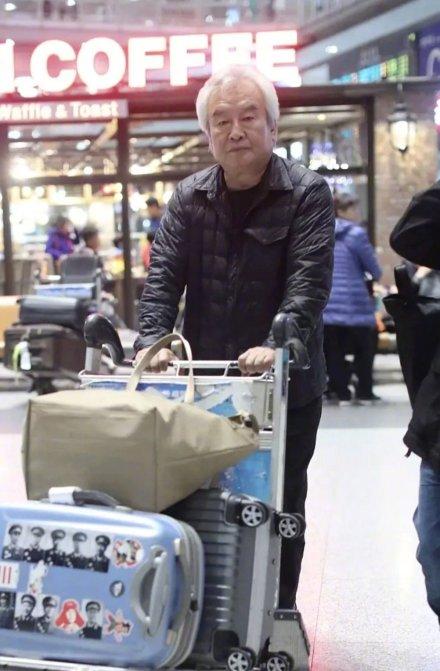 涂们的行李箱登上了热搜,因为贴着这些人