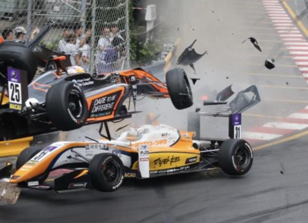澳门大赛车发生严重事故,2名车手在内共5人受伤