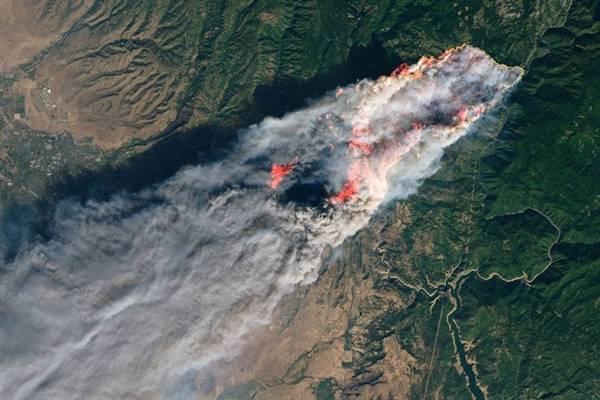 NASA加州山火高清卫星照:震撼 可怖!