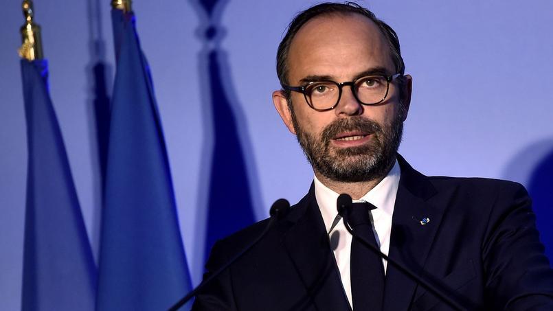 法国总理推新留学政策 提高非欧盟学生学费增加奖学金