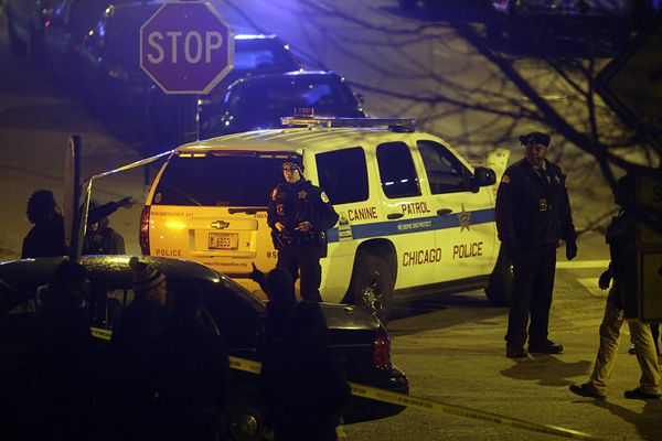 美国芝加哥一医院附近发生枪击案 已致4人死多人伤