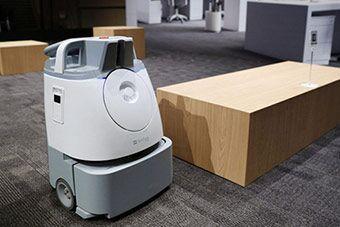 软银发布扫地机器人Whiz 中国企业参与制造