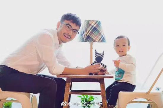 小沐沐四周岁汪涵温馨陪伴 父子同框幸福惹人羡