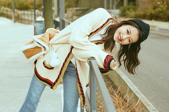 孙怡暖冬街头拍摄写真 森系少女展治愈笑容