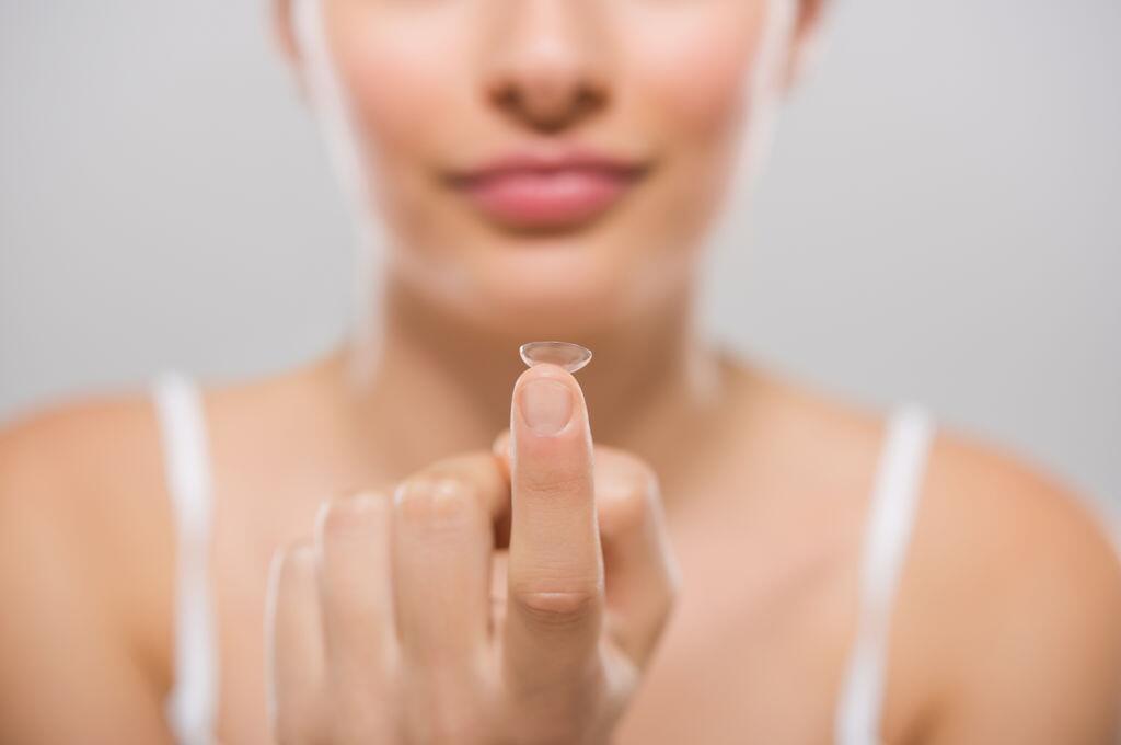 """眼睛""""创可贴"""" 澳大利亚研发新型隐形眼镜可修复眼睛"""