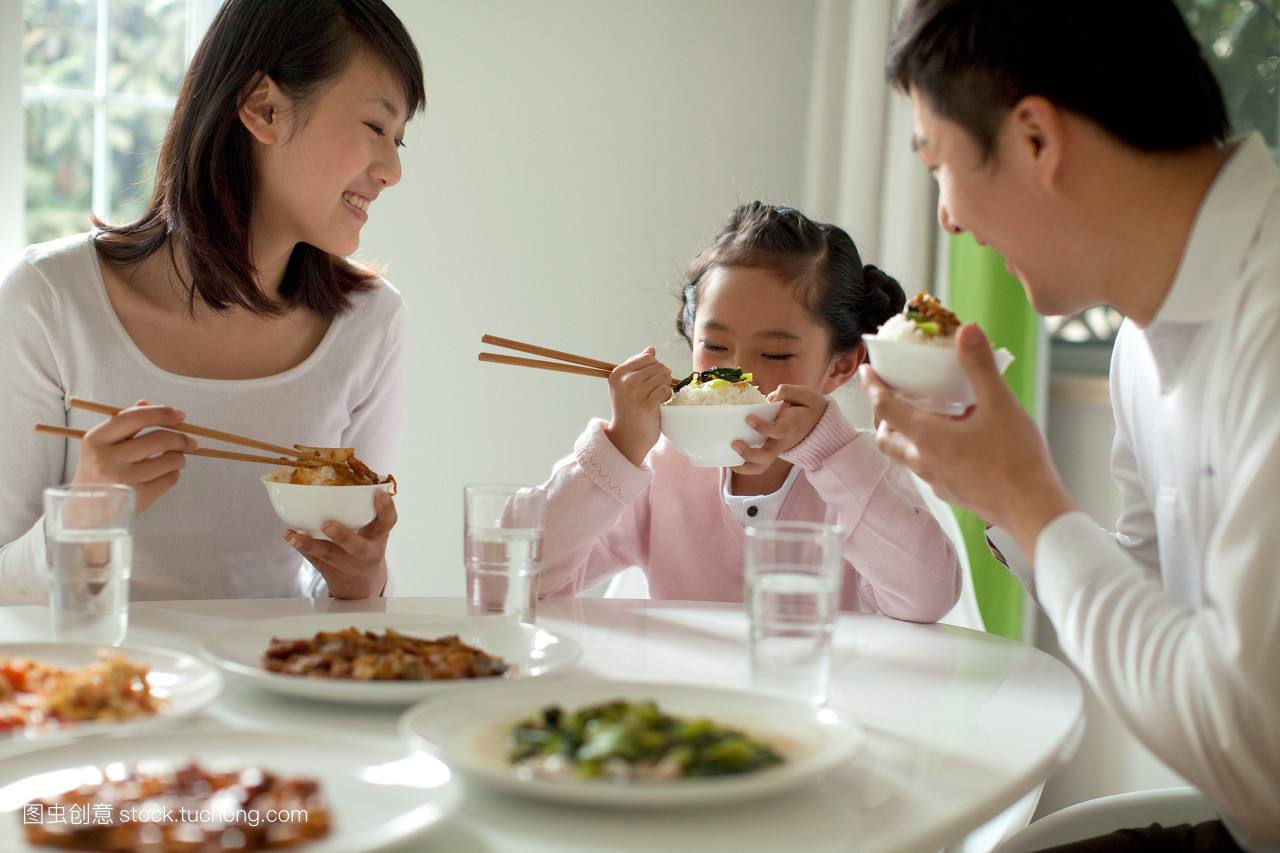 改革开放40年:百姓就餐消费增长474倍