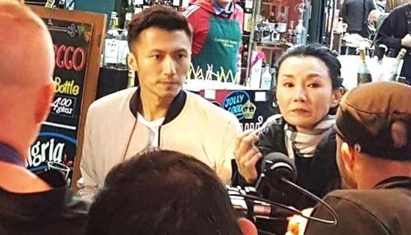 九龙女50岁后颜值,张曼玉成这样,她素颜逛街却依然很美!