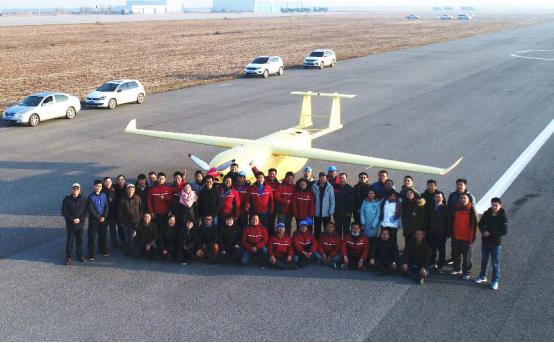 京东自主研发无人大飞机首飞成功 支线无人机向?#23548;试?#33829;迈进!