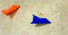 教你两分钟折一架超简单的纸飞机
