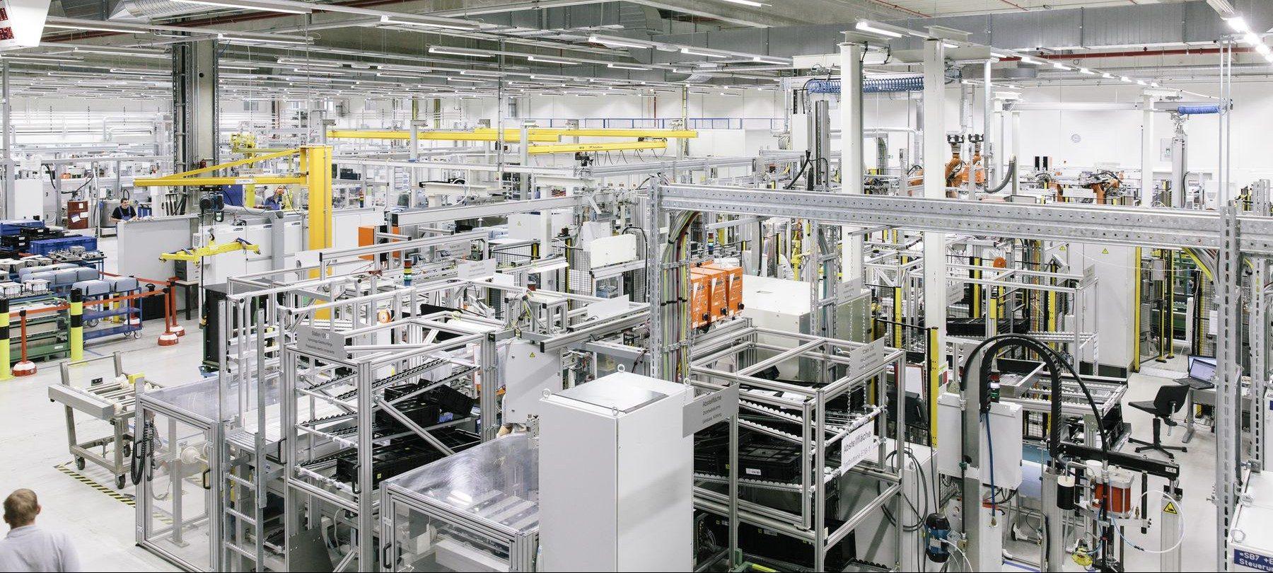 中国能源企业量产固态电池 新能源汽车迎来新机遇