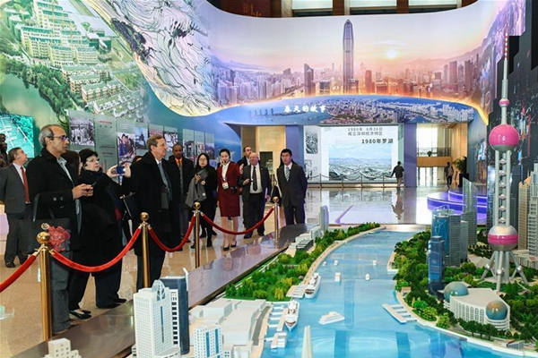 """""""伟大的变革——庆祝改革开放40周年大型展览""""外宾专场"""