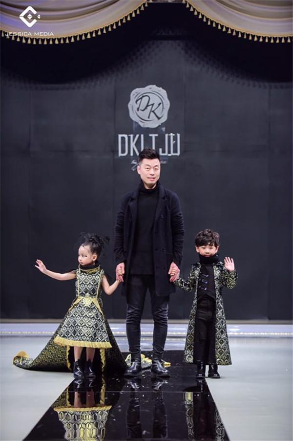上海高定周DK小童模齐浚廷,四岁的人生就像开了挂