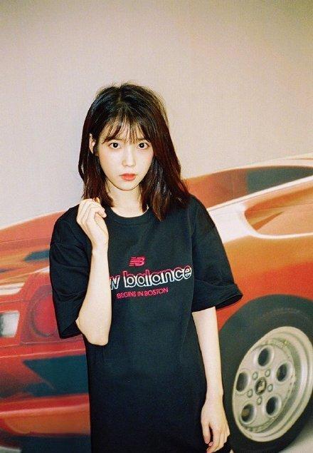 韩国国民妹妹李智恩IU的顶级人缘