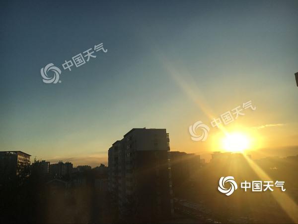 北京将持续蓝天晴好模式 23日空气质量转差