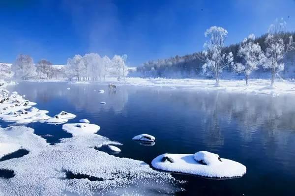 内蒙古有条不冻河:-40℃严寒中依然流淌,还长着青青水草