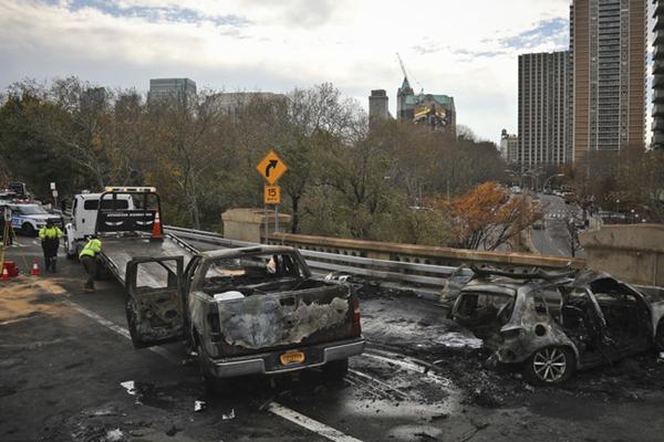 纽约布鲁克林大桥发生严重车祸 致1死6伤