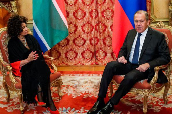 俄罗斯外长拉夫罗夫接见南非外长西苏卢