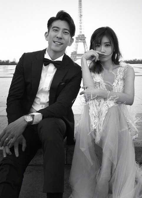 修杰楷与贾静雯拍婚纱照 网友:静雯超美 修爸好帅