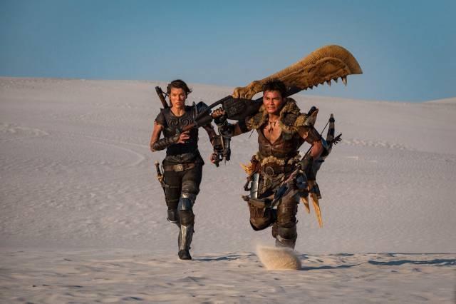 《怪物猎人》曝首张剧照 米拉与托尼·贾狂奔