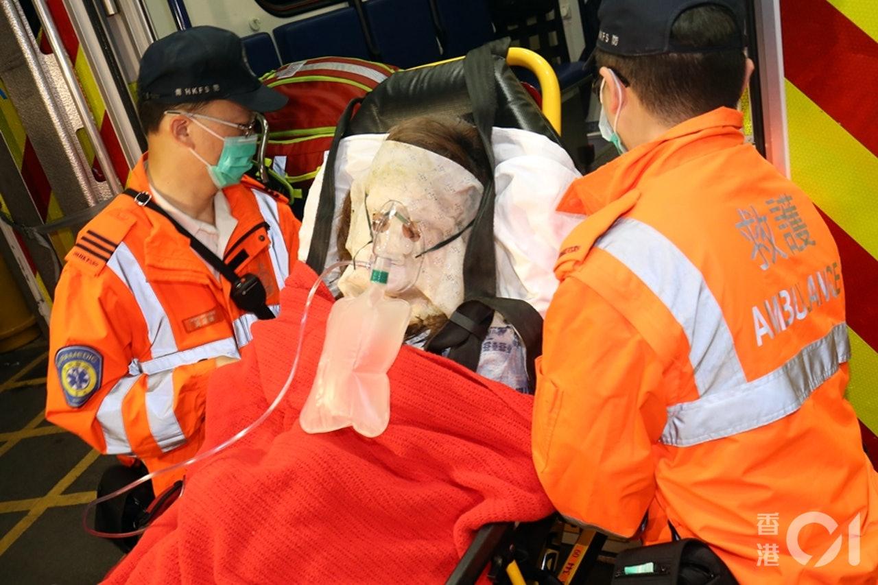香港浸会大学宿舍疑因洒面粉庆生致粉尘爆炸 12名学生烧伤