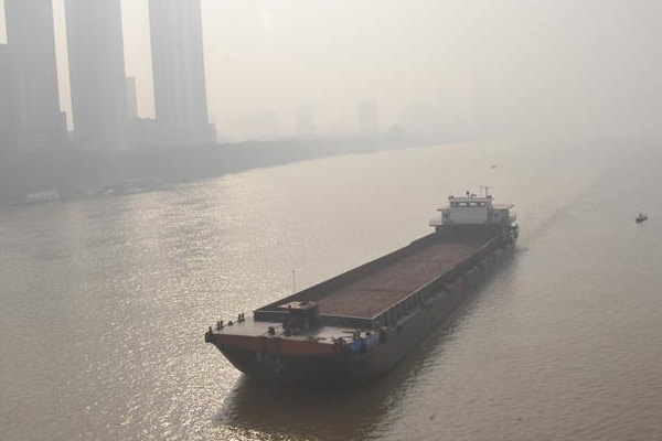 """湘江""""枯水期""""遭遇水涨 水位突破30米"""