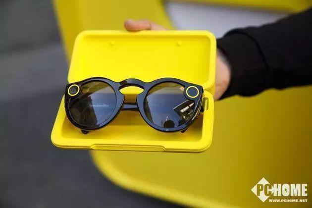 Snap将推新款智能眼镜 可拍摄AR特效视频
