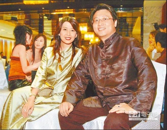 台媒:孟庭苇驳斥出轨女助理导致离婚传闻