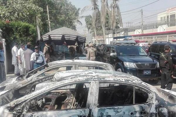 中国驻卡拉奇领馆遇袭 袭击者被击毙