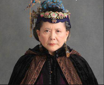 她演《红楼梦》爆红,曾遭遇破产,如今81岁生活滋润