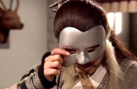 面具是一门独特的艺术,看看胡歌和赵薇戴起面具照样美如画