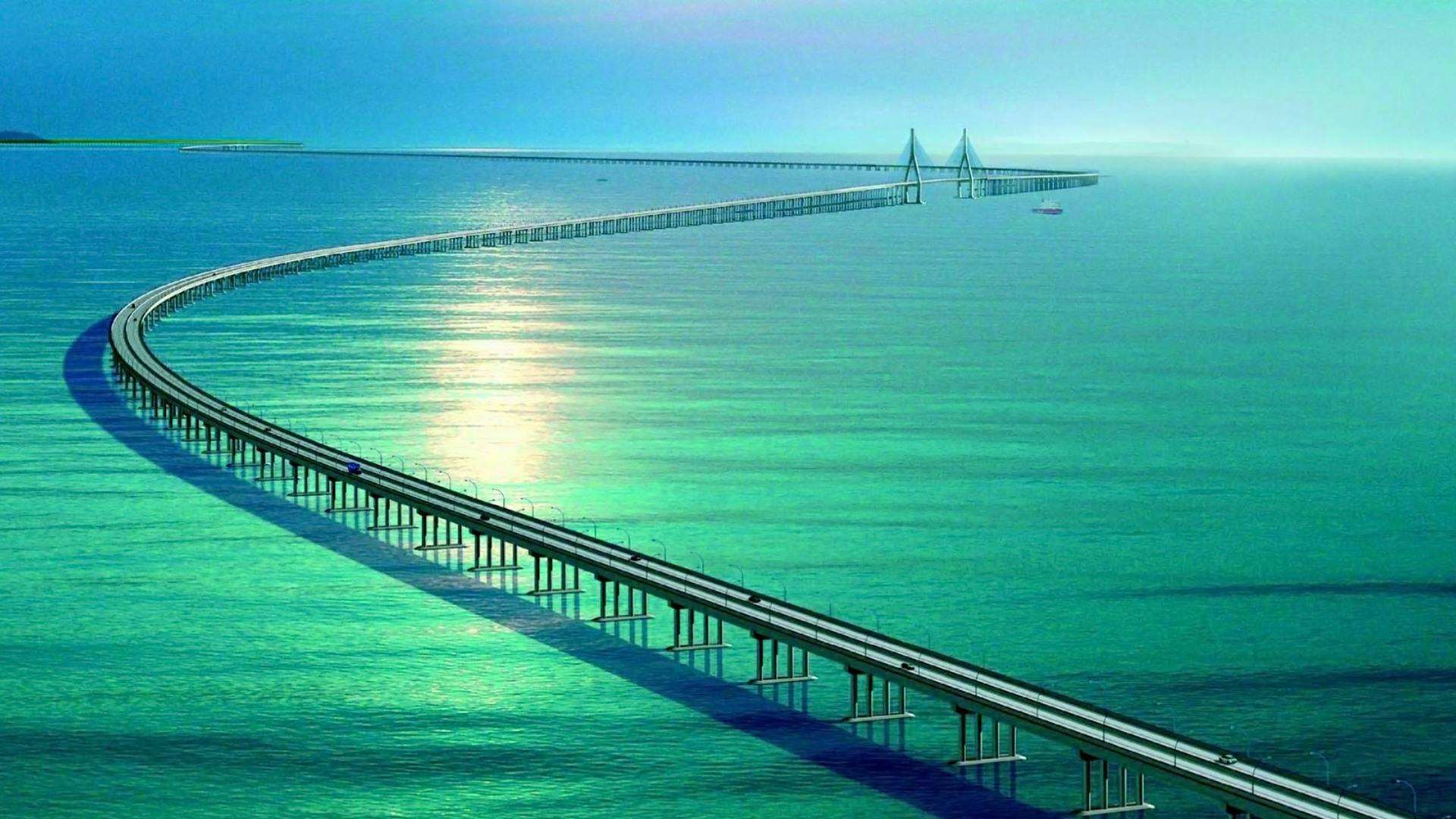 港珠澳大桥通车首月 大桥澳门口岸出入境80万人次