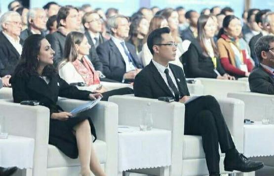 刘烨安娜夫妻合体,助力中法环境年,亲密互动秀恩爱