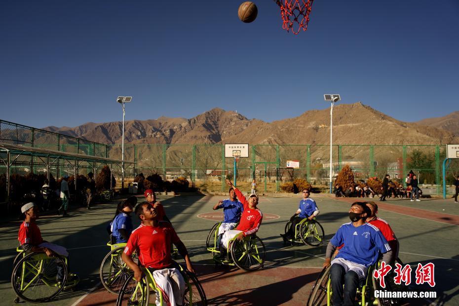 高原轮椅篮球队的篮球梦