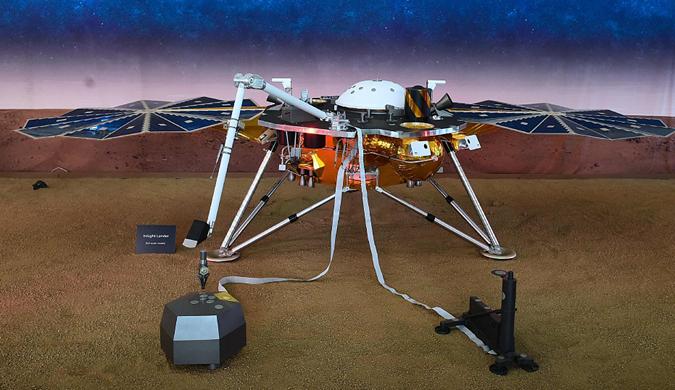 """""""洞察""""号无人探测器成功登陆火星"""