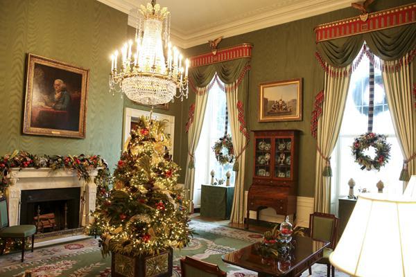 白宫圣诞装饰媒体预览开通  第一夫人梅拉尼娅亲自挑选
