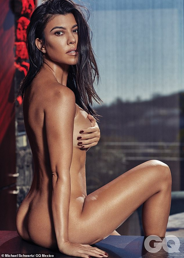 考特妮•卡戴珊为《GQ》拍摄全裸照