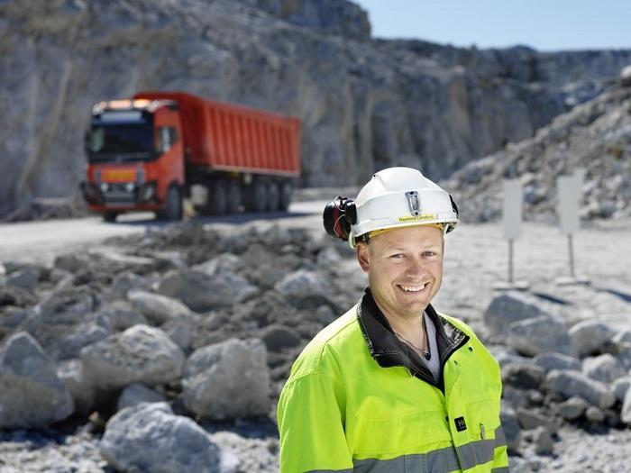 沃尔沃自动驾驶卡车为挪威矿场提供专业运输服务