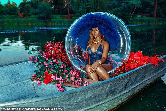 蕾哈娜为自家新款内衣拍摄性感宣传照