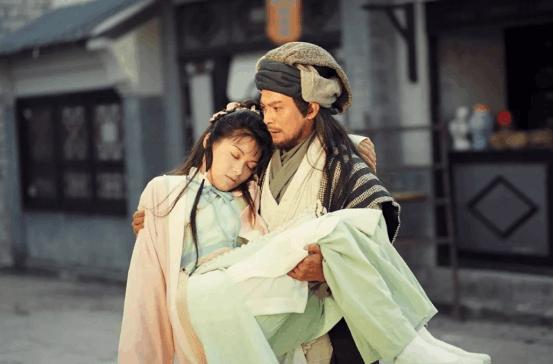 黄日华给妻子治病花光积蓄,曾买50元运动裤,陪女儿追王子签名