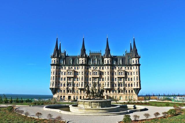 《西虹市首富》中一晚60多万的酒店,真实只要400元!