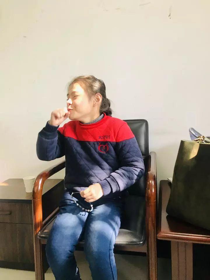 谁认识这个杭州8岁漂亮姑娘?能歌善舞,还演过电影!却住进救助站半月了