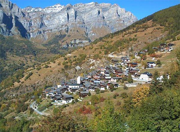 瑞士小村重金招村民