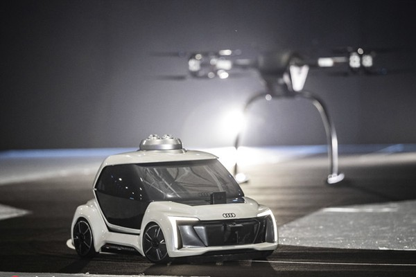 能自动驾驶的飞行汽车!全新未来车原来长这样
