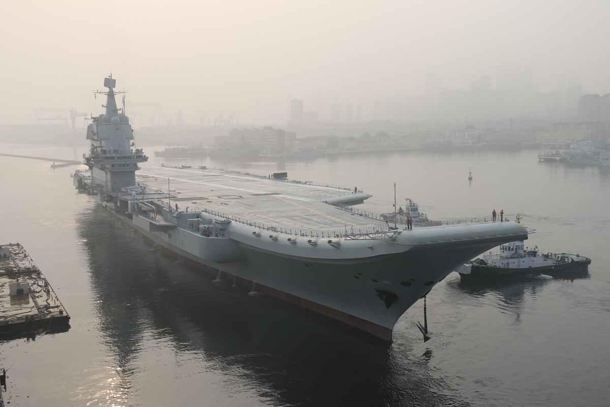 国防部披露首艘国产航母海试任务 正按计划推进