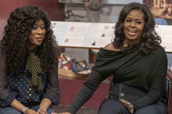 美国前第一夫人米歇尔•奥巴马突现费城 与高中生同台交流