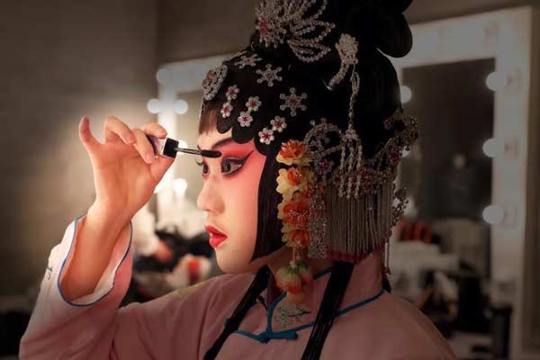 京剧《金簪记》在北京首演 取材于文学巨著《金瓶梅》