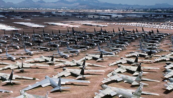 美军B-52轰炸机中队指挥官被开!原因好羞羞