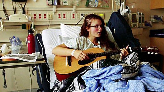 美19岁女孩患有音乐性癫痫 开颅手术全程高歌
